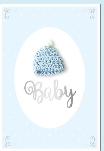 Umschlag. Baby Strickmütze hellblau Hand